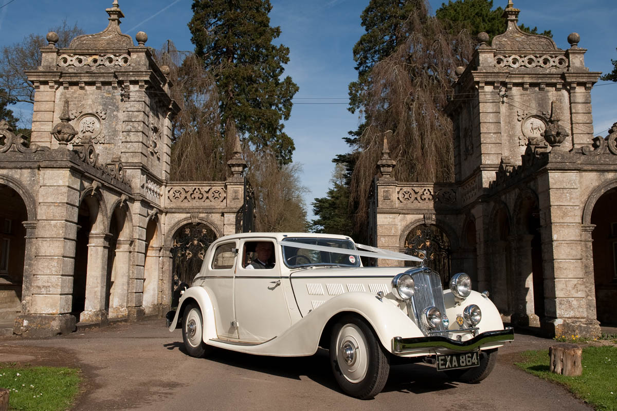 Vintage Wedding Cars - Classic Triumph   Gallery