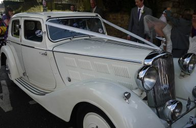 vintage-cars-weddings-stroud-gloucestershire-in-the-cotswolds-best-days