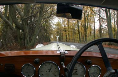 vintage-cars-weddings-stroud-gloucestershire-in-the-cotswolds-woods