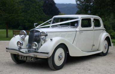 vintage-cars-weddings-stroud-gloucestershire-in-the-cotswolds01